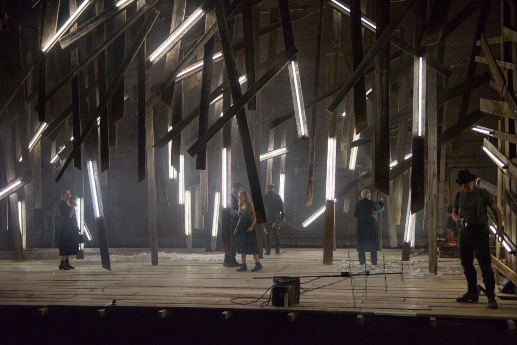 Bühne - Engel des Vergessens